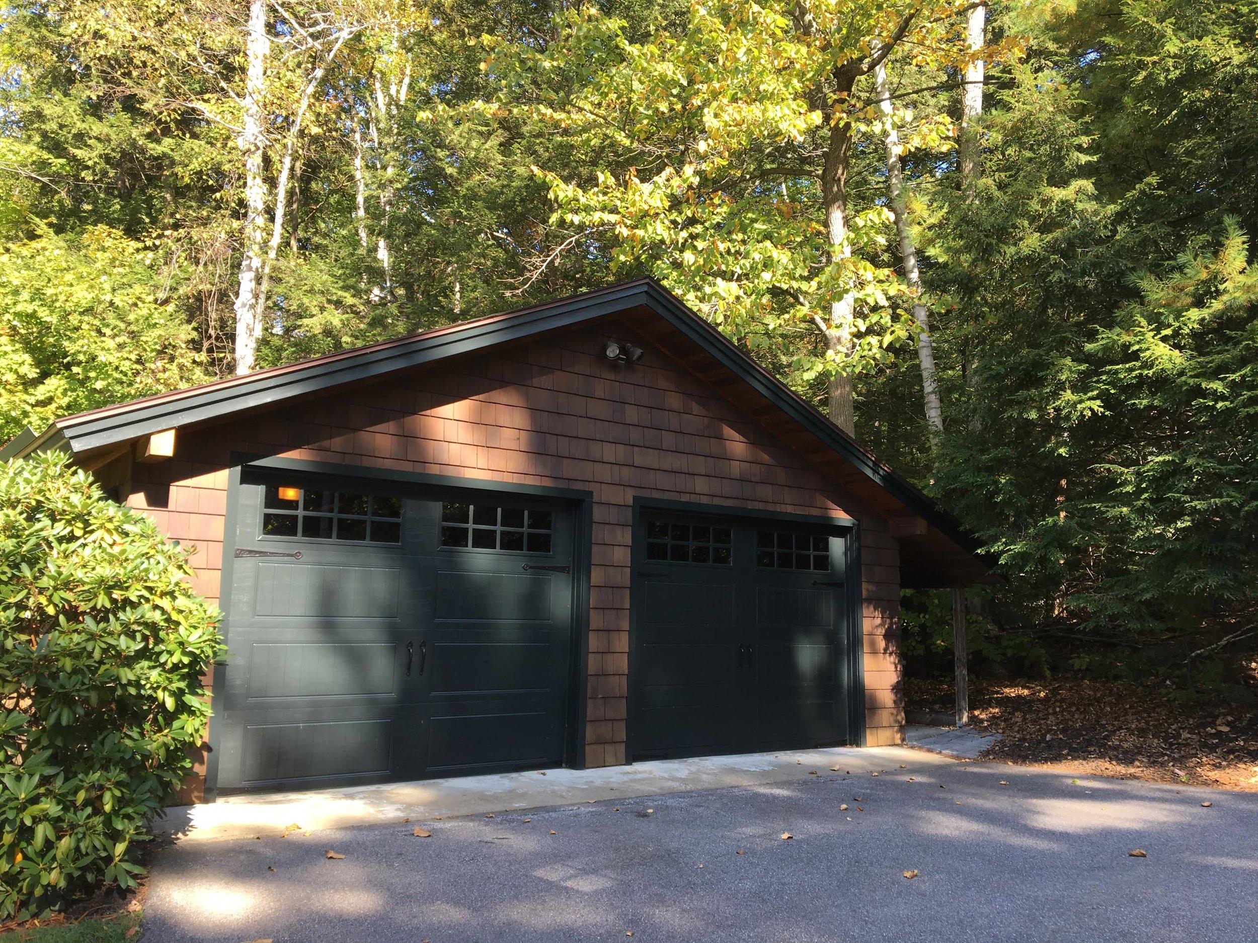 Lakehouse garage new.jpg