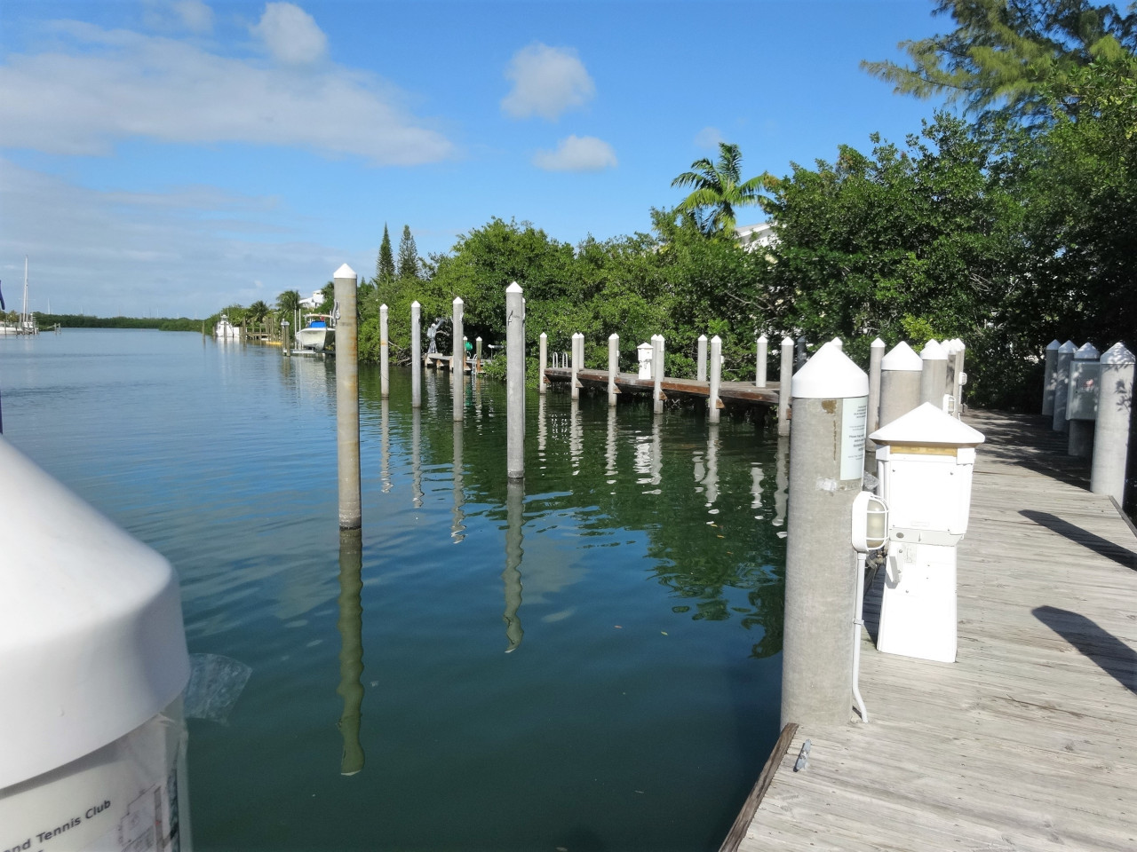 CocoPlum-Boat-Docks-16-Large.JPG