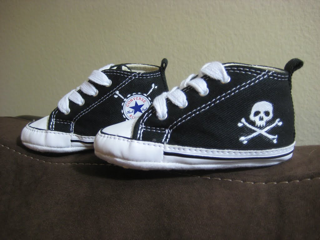 baby chuck taylor's