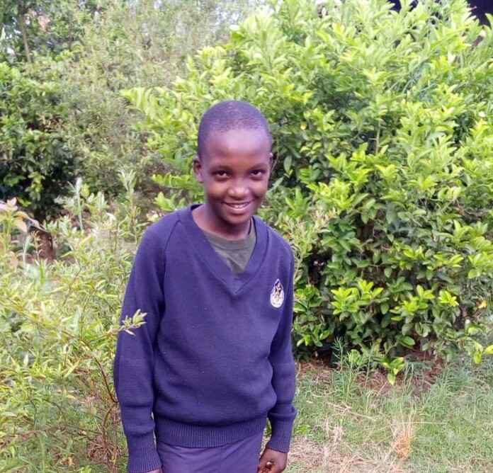 Fred Mushi - Jambo! Jambo! My name is Fred Mushi, I am 13 years old. I like eating fried rice. I enjoy gardening. What makes me happy is playing football. I don't enjoy feeling Hungry. When I grow up I would like to become a Pilot.