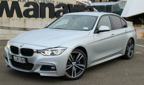 MNMay24_BMW330_1.jpg