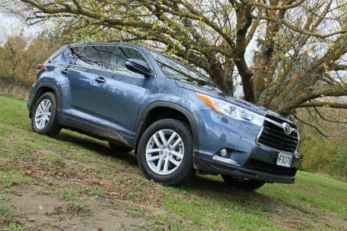ToyotaHighlander_161015_1.jpg