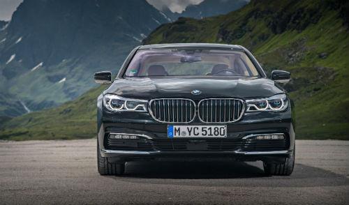 MNApril18_BMW740Le1.jpg