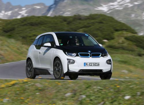 MNMarch16_BMWi3_1.jpg