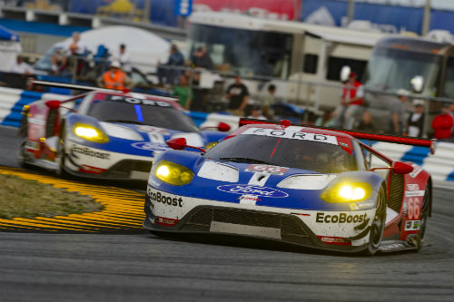 MNMay31_FORD_GT_racing.jpg