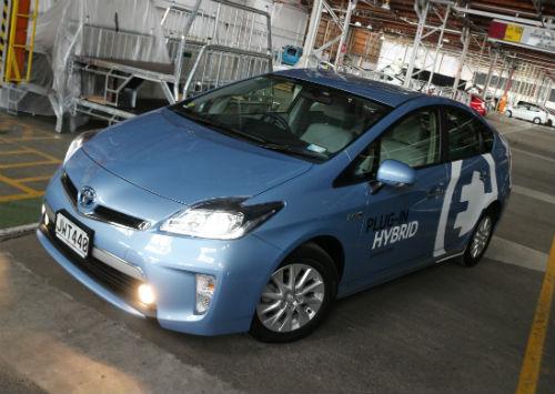 MNAugust25_ToyotaPriusPHEV2.jpg
