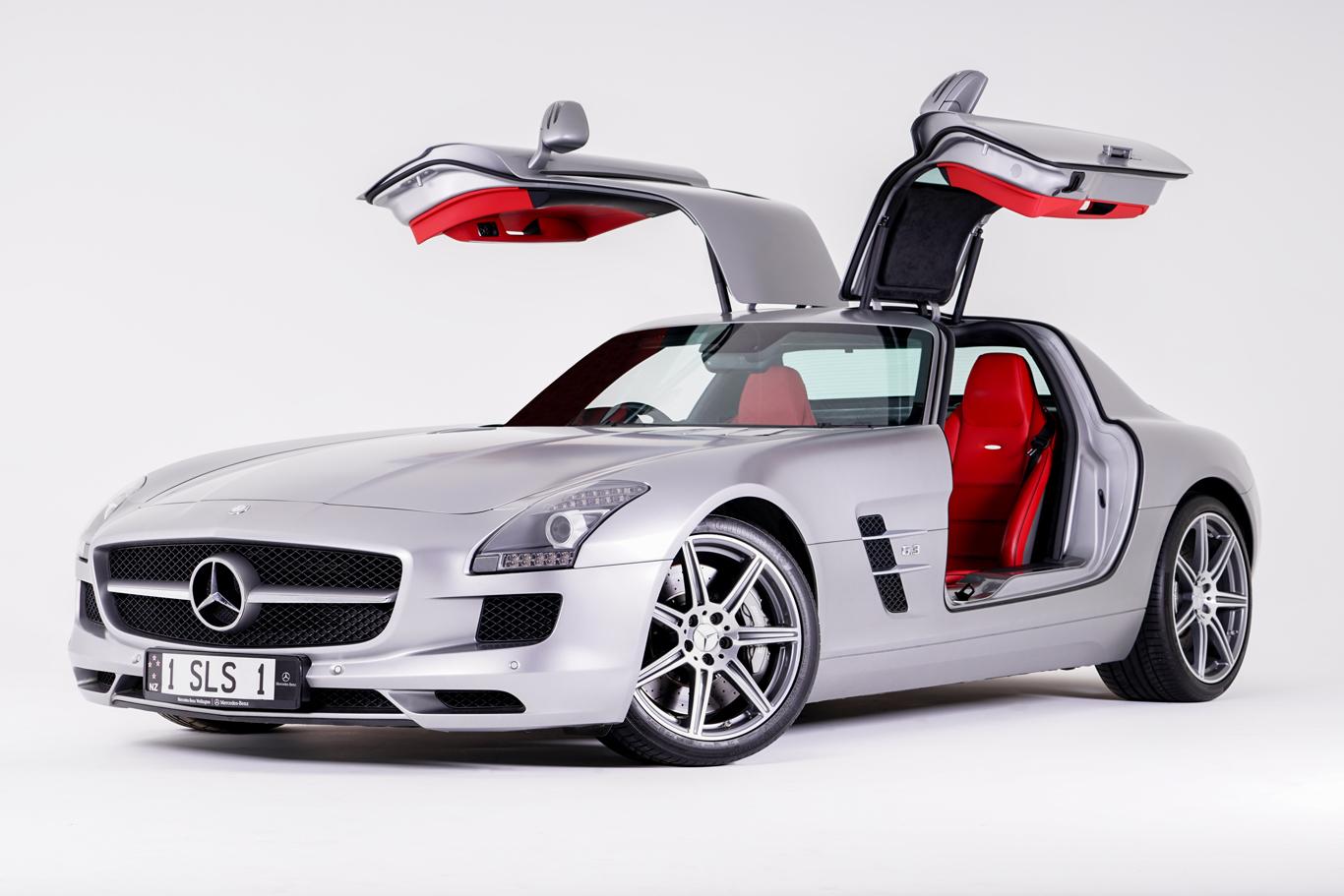 Mercedes-SLS-Studio-Shoot-Web.jpg