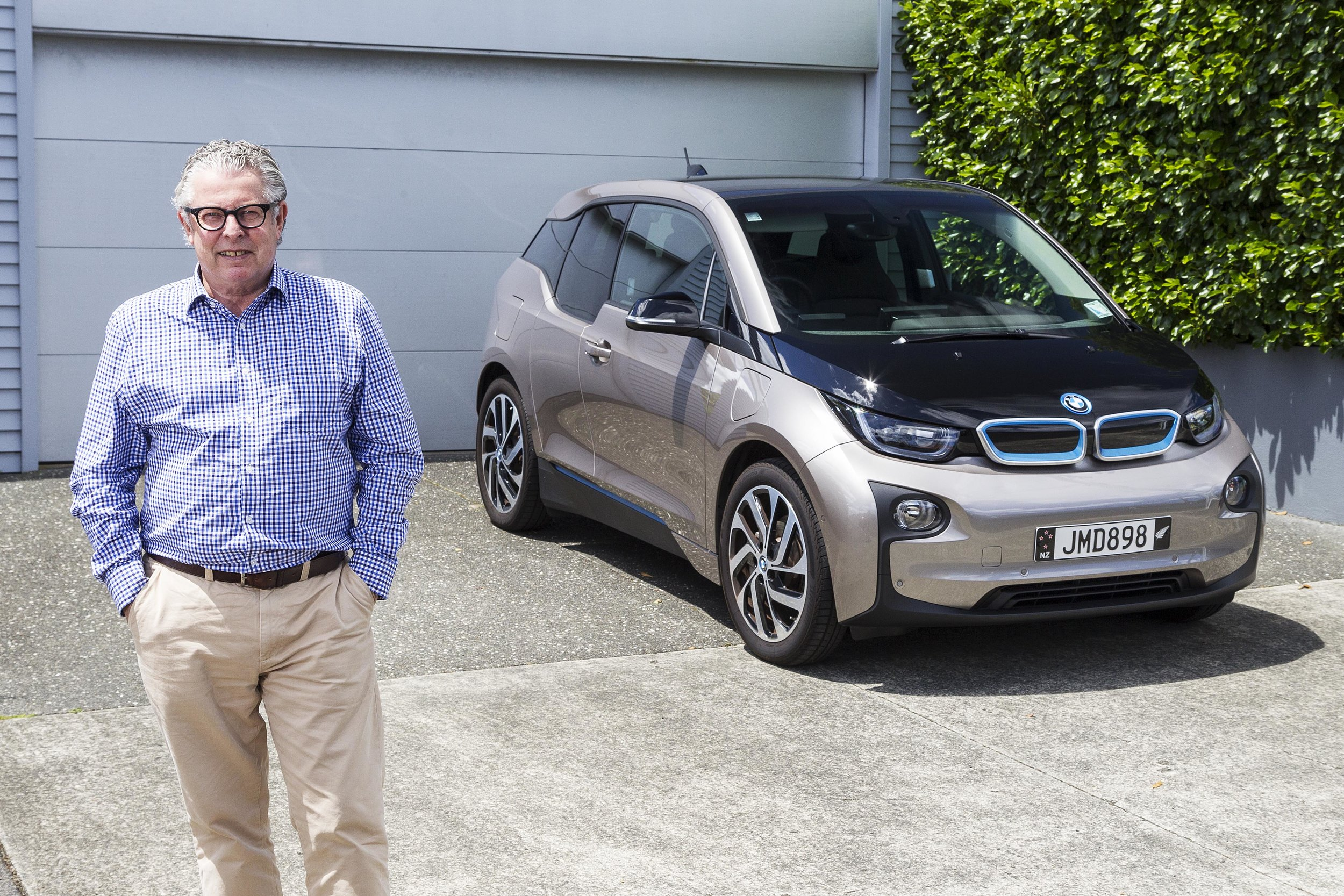 Mark Gilbert with BMW i3.jpeg