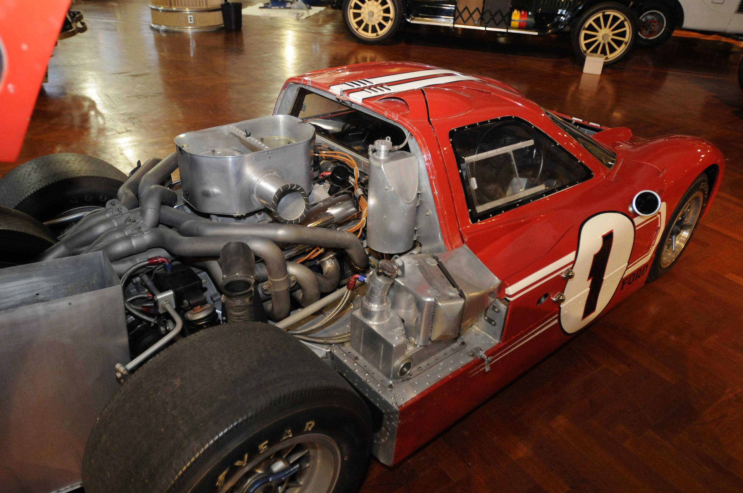 1967 Le mans winning GT40.jpg