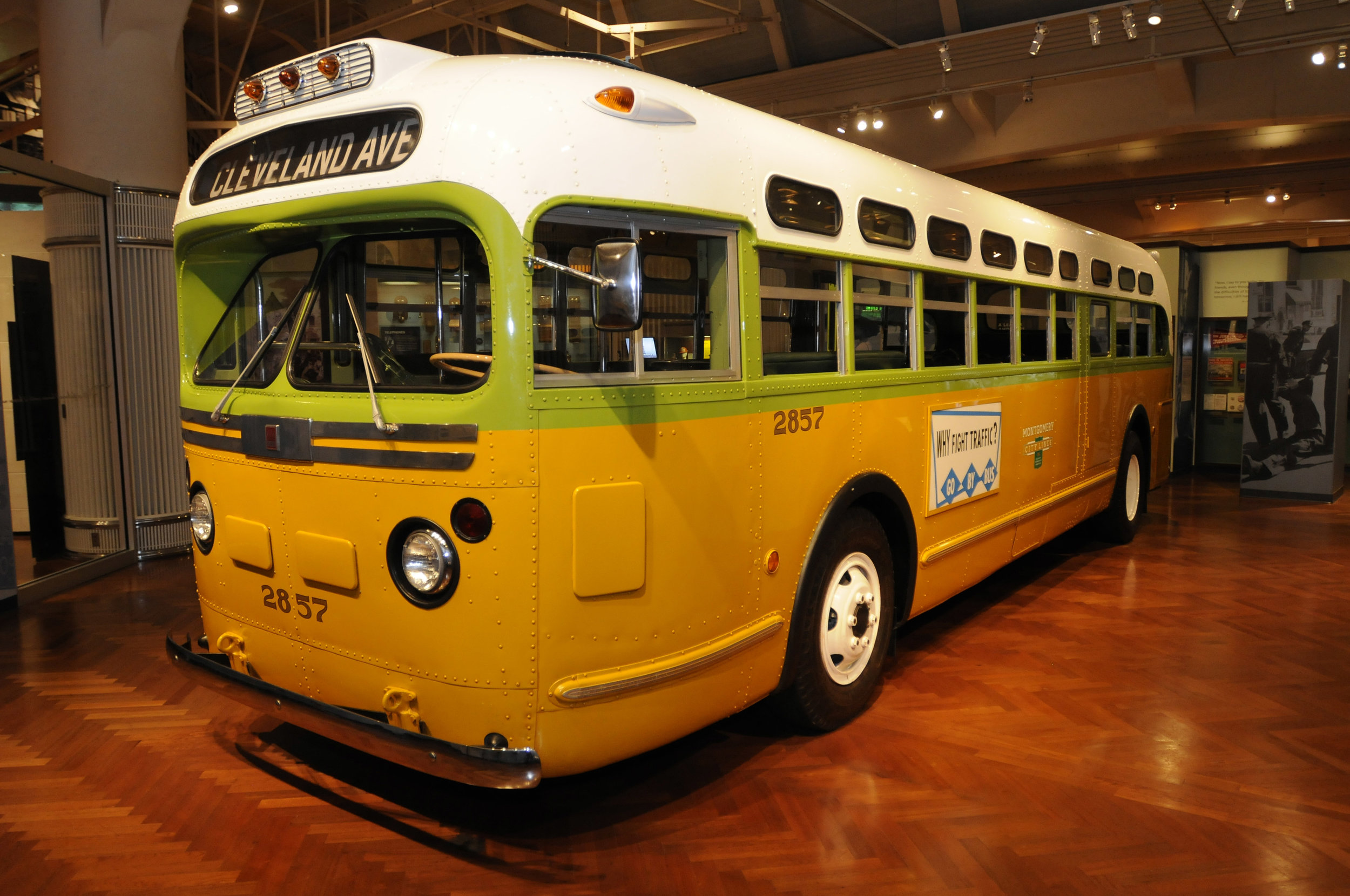 Bus that Rosa Parks rode on.jpg