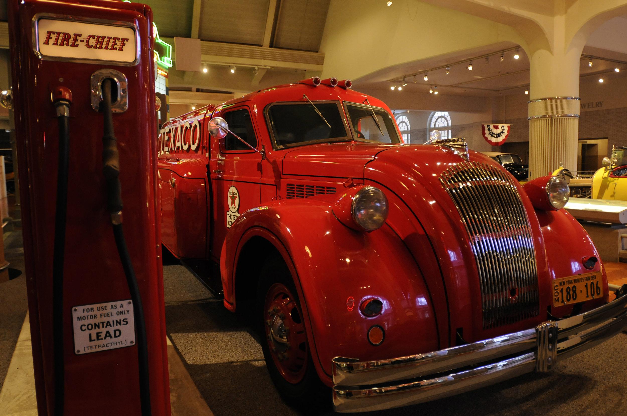 Old Texaco fire engine.jpg