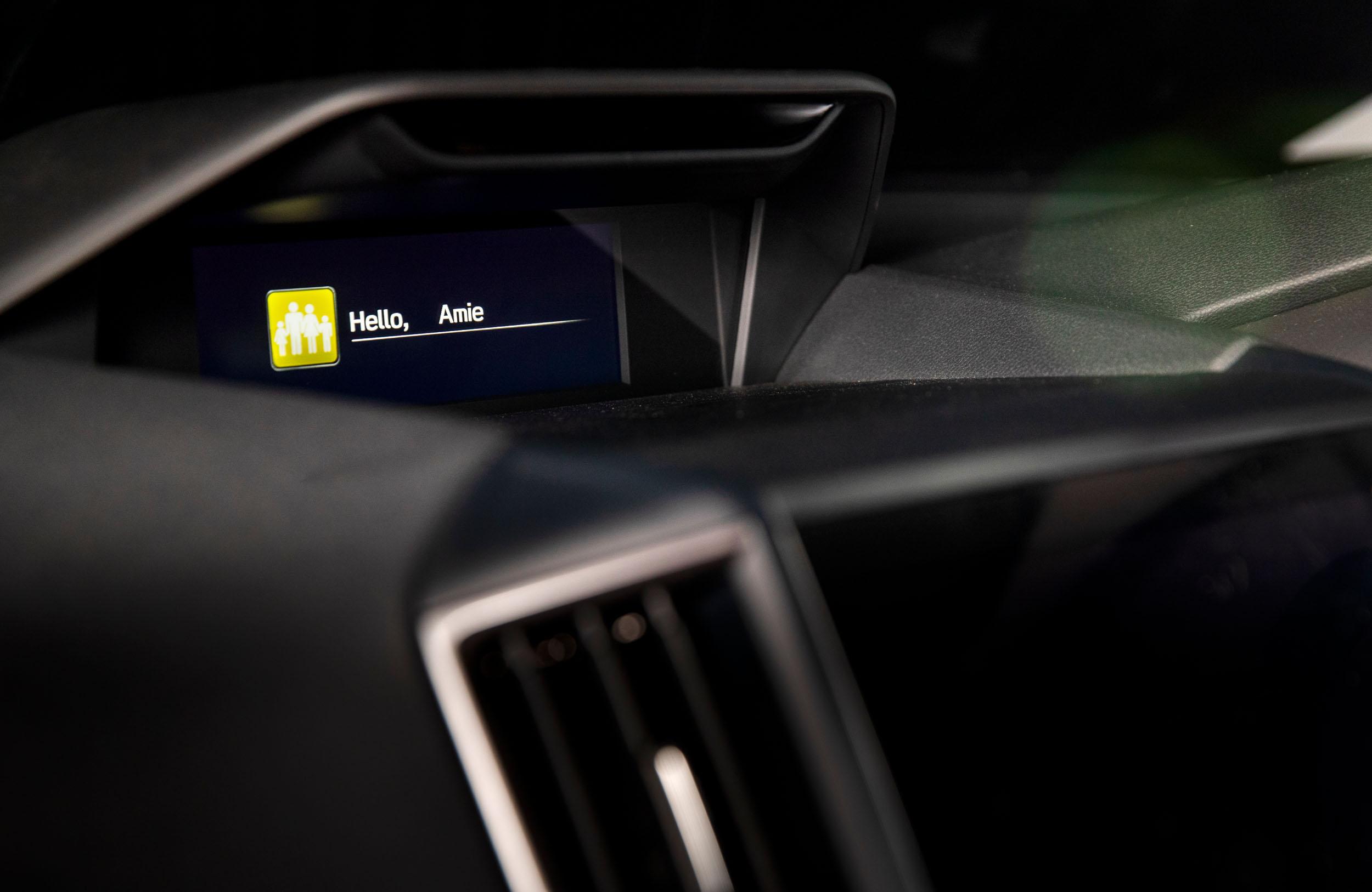 Subaru Forester 2.5 Premium interior LR 13.jpg