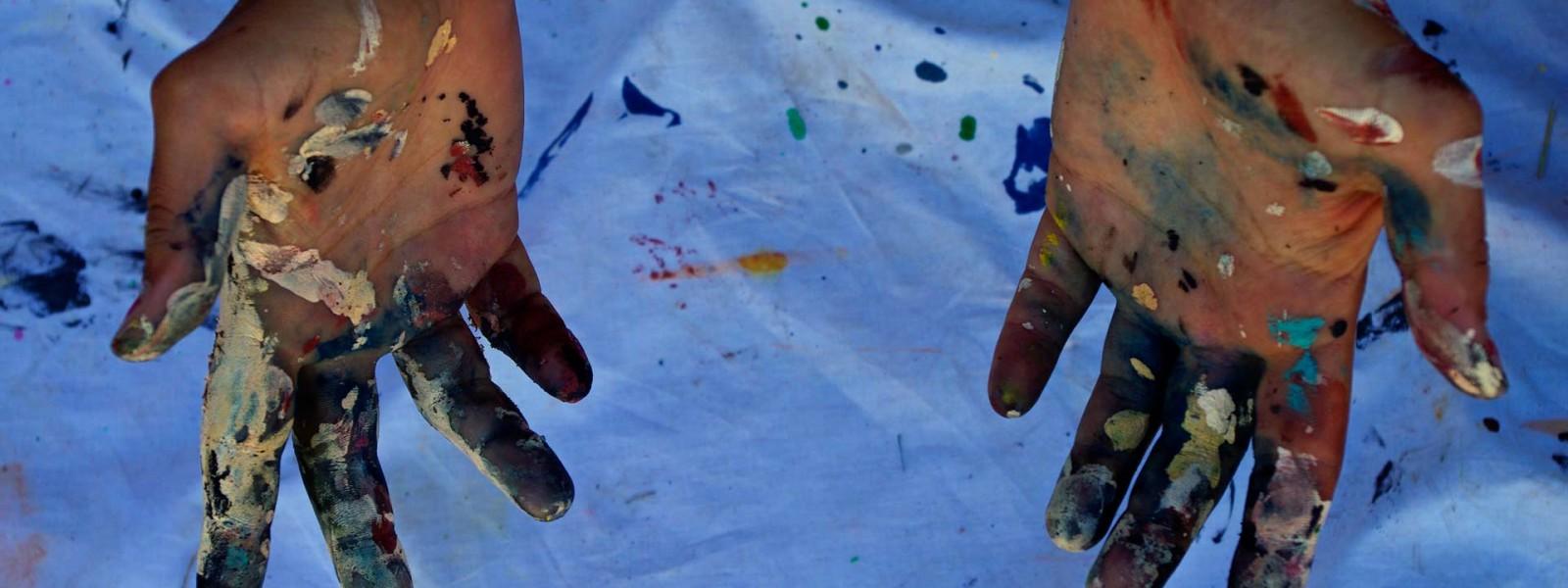 TRAVELLING ARTIST IN RESIDENCE -