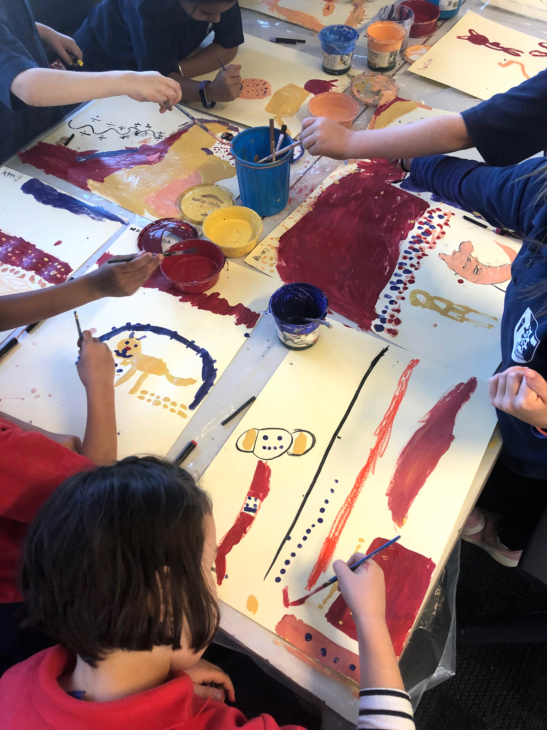Ross Park Primary students paint Maureen O'Keefe's  Old Man Kangaroo  story.