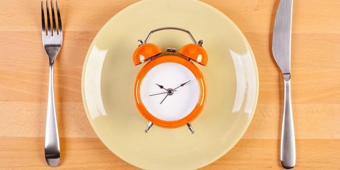 intermittent-fasting-diet-main-image-700-350.jpg
