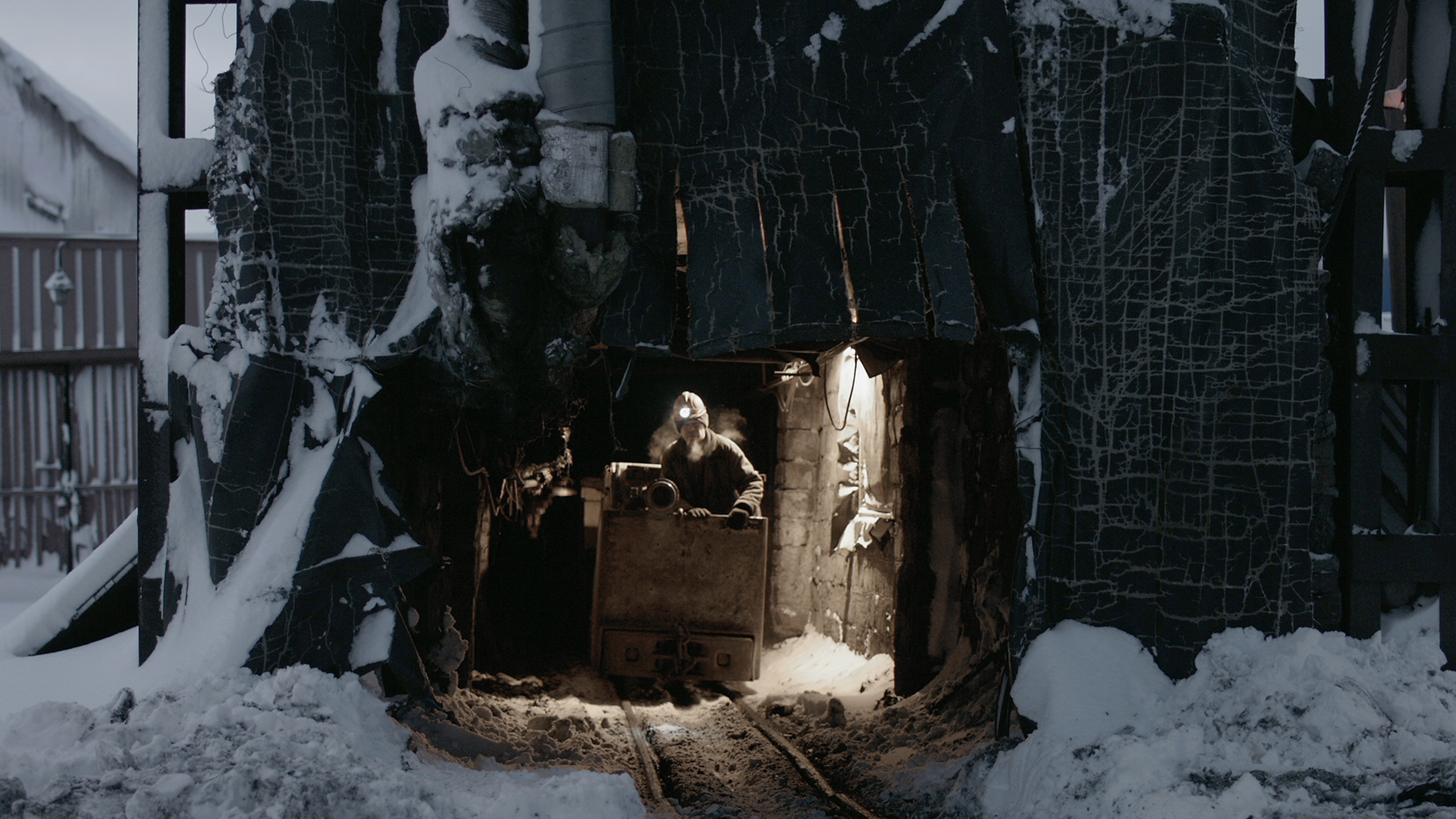 Videostill: Outpost, Wim Catrysse
