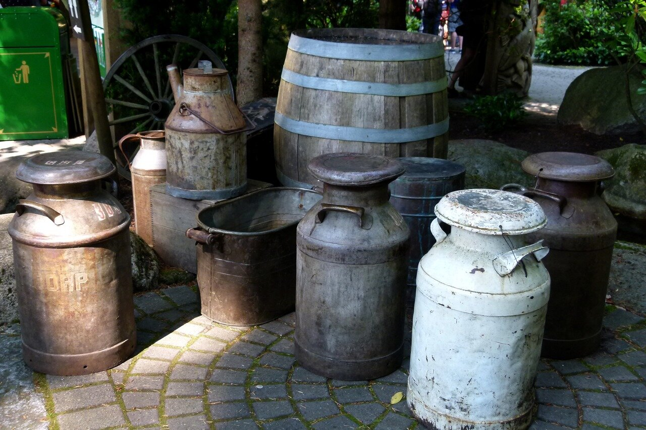 wood-antique-barrel-cans-heritage-water-feature-1256859-pxhere.com.jpg