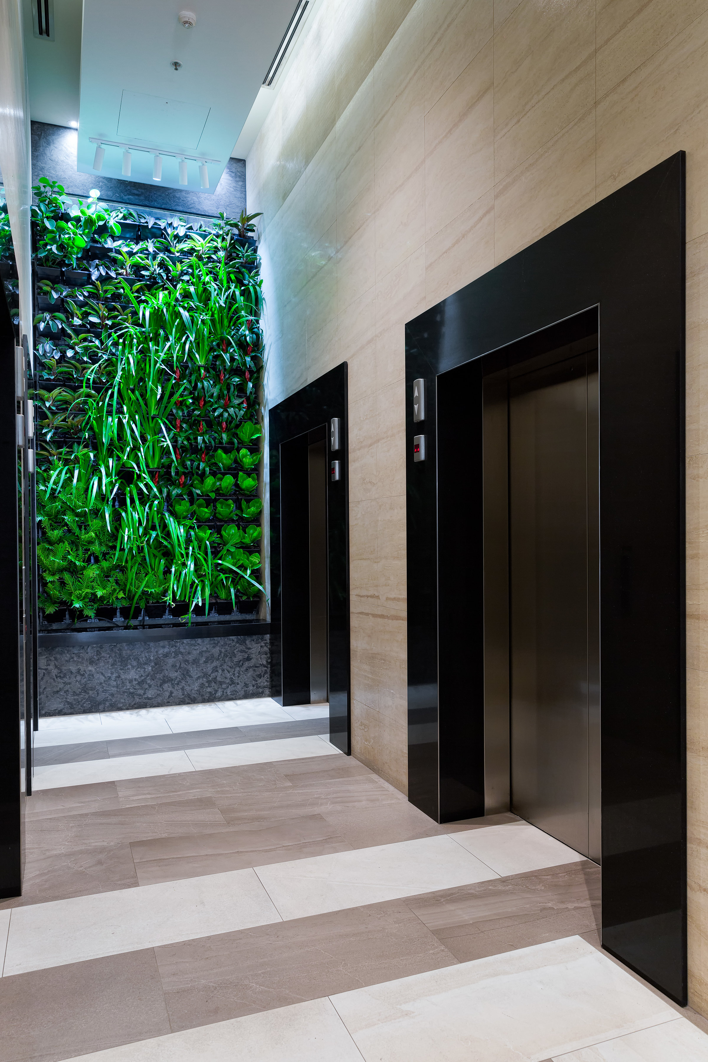 MantraGreenWall-5.jpg