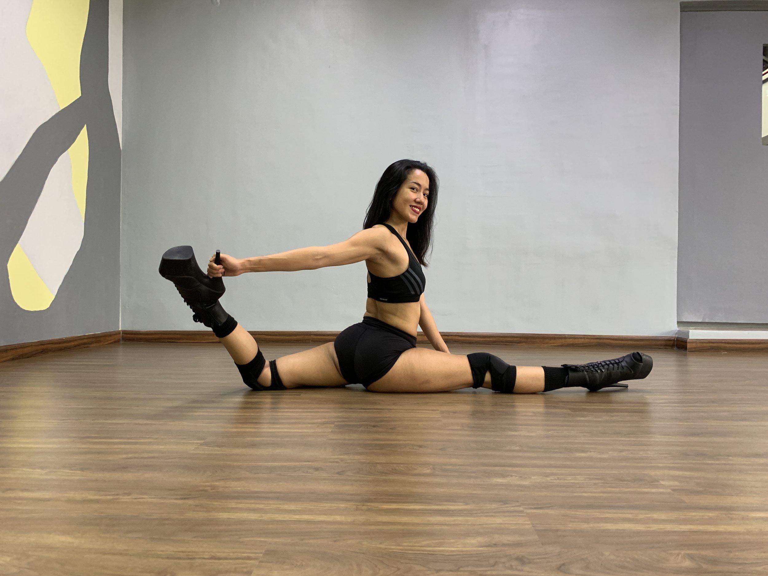 Hot Heels Splits Special.JPG