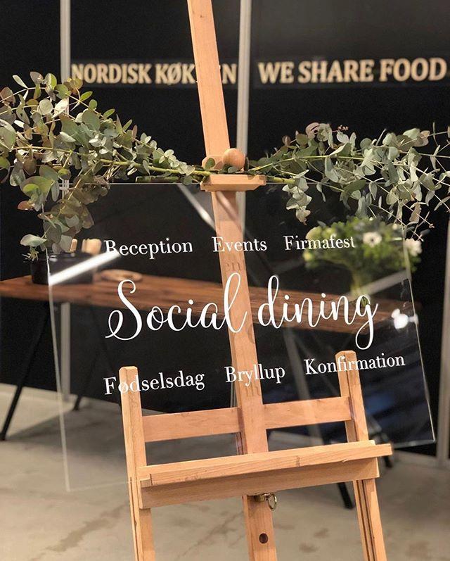 Social dining til alle livets store fester 🍴 - På lørdag skal vi stå for middagen til en 70 års fødselsdag  #anora #catering #socialdining #fødselsdag #konfirmation #bryllup #firmafest #event #reception