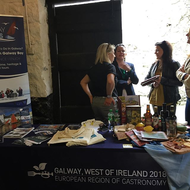 What a busy day at @galway_hooker_sailing_club and at @galwaybaytours. Started the morning with a tour on the bay and finished with a trip to @brownestuam for the @foodie_destinations showcase where the cream of the crop of Galway food and producers was on display for Galway to be named a Foodie Destination for 2019 . . . . . . . #fooddestination #galwayfood #galwayfoodtours #brownestuam #tuam #capitalofculture #galway2020 #galwaybay #galwaybayseafoods  #food