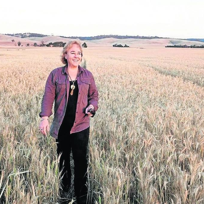 Linda-eldredge-walking-wheatfields.jpg