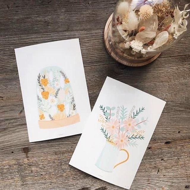 Nouvelle collection «les jardins de june» de chez @pramaxcreateurs à aller shopper chez @hyppairs @lelablyon et @galerieslafayette Lyon Bron. ✨ . . . #lyon #lyonnaise #monlyon #createurlyonnais #faitavecpassion #lyoncandoit #creatricelyonnaise #madeinlyon #madeinfrance #affiche #peps #instadeco #deco #illustration #decorationinterieur #salon #couleurs #ethique #ecoresponsable #goodvibes #igerslyon #fleur #fleurs #flowers