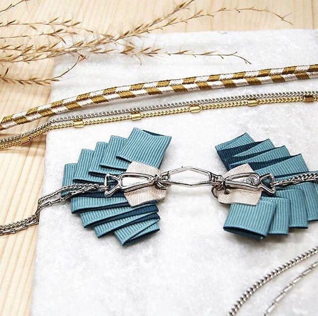 On adore le headband Jini de chez @byrdceedesign. Parfait pour les beaux jours qui arrivent. ✨ . . . #lyon #lyonnaise #monlyon #createurlyonnais #faitavecpassion #creatricelyonnaise #madeinlyon #madeinfrance #jewelry #spring #headband #cadeaux #bijoux #accesories #gold #lyoncandoit #love #faitavecpassion #blue #jewel #jewels #igers #igerslyon