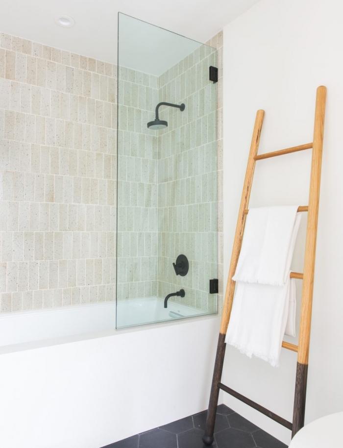 Amber+Interiors+Bathroom+Black+Houses2.jpg