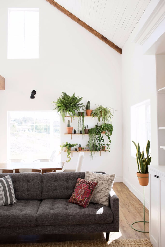 THE MIX OF GREENERY ON THESE FLOATING SHELVES ADDS SO MUCH TO THIS ROOM! (via  a beautiful mess )