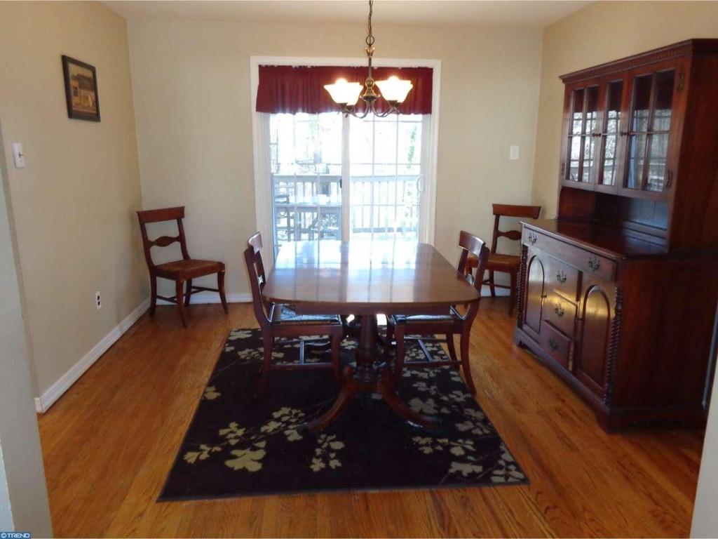 dining-room-listing-photo.jpg