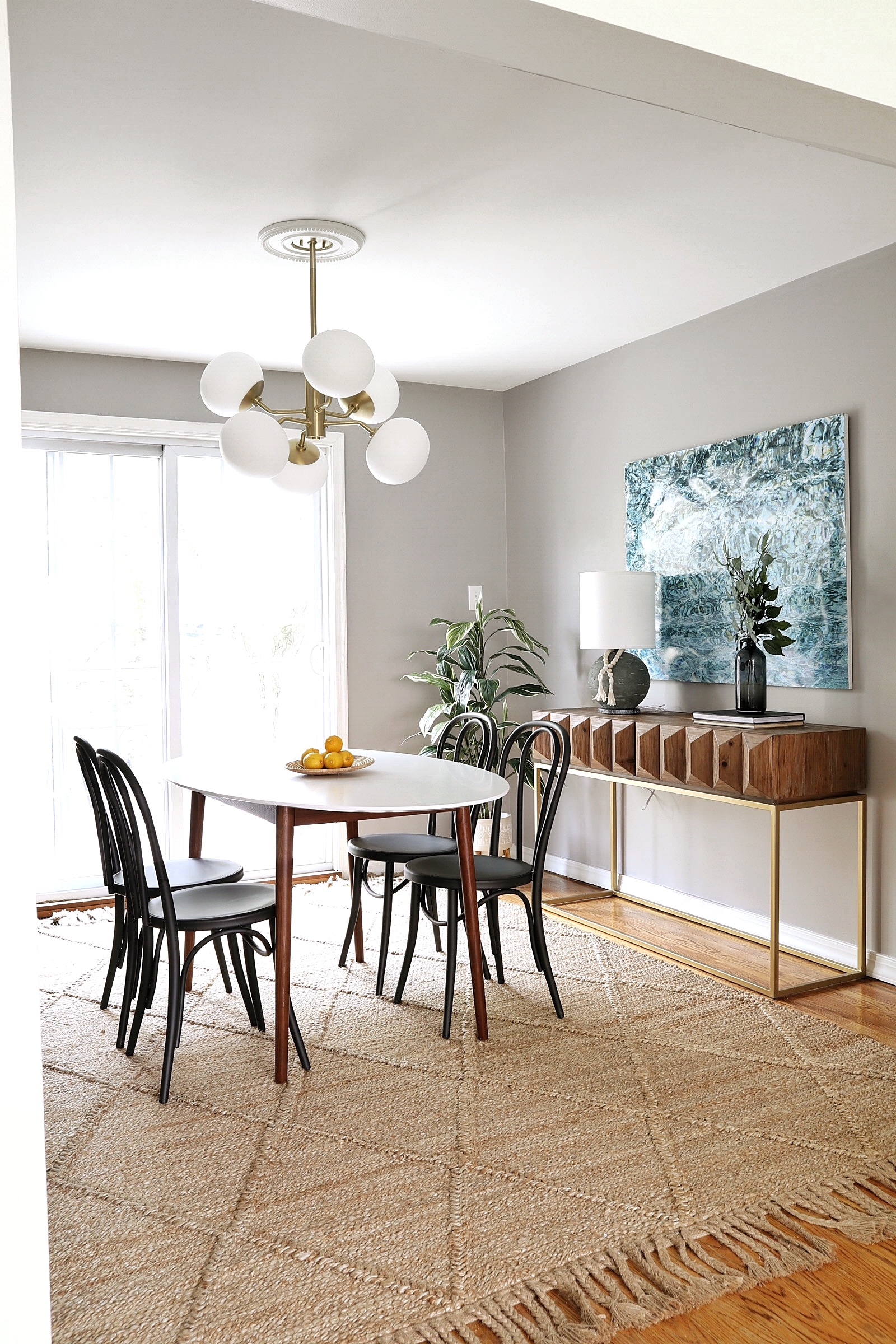 Modern-Dining-Room-Decor.jpg