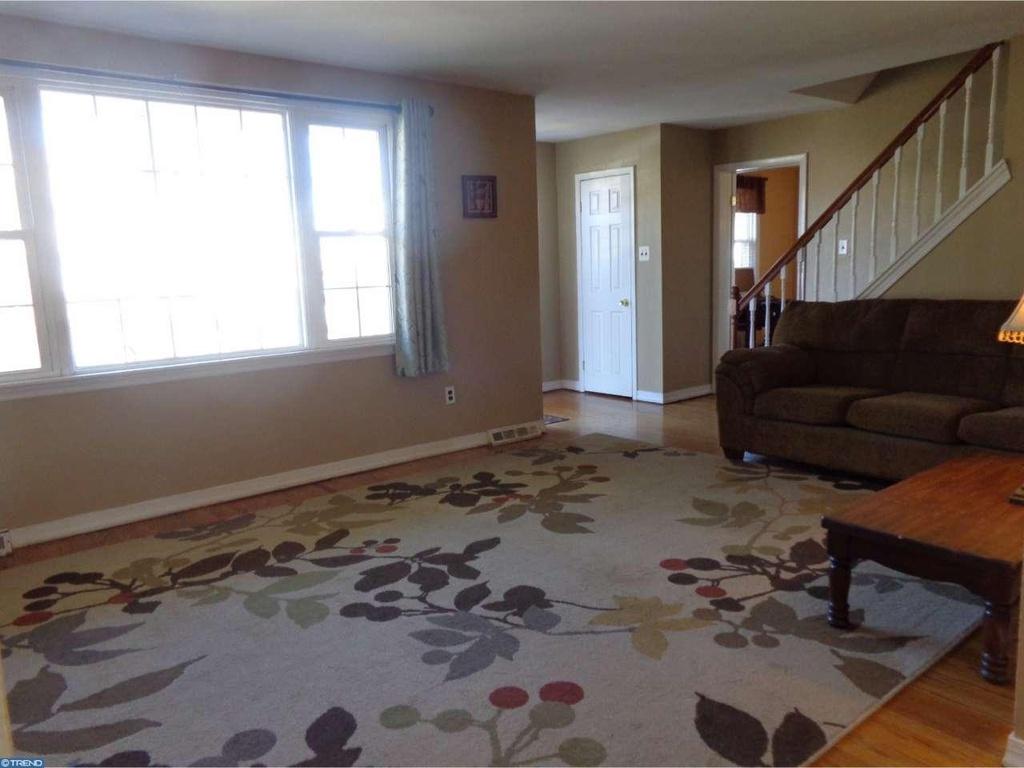 Living-Room-Before-Photo-02.jpg