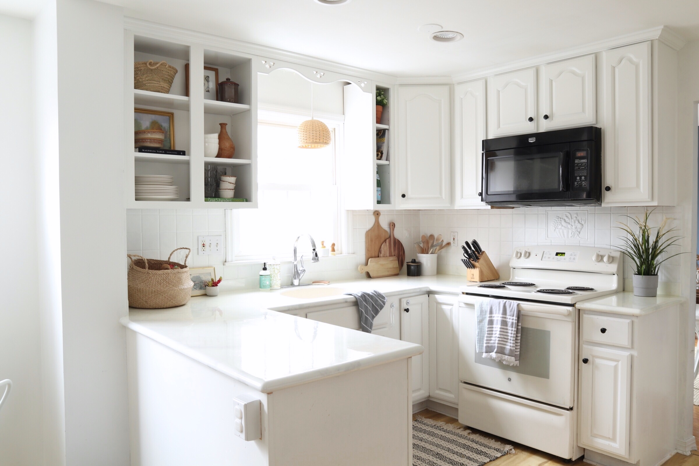 Kitchen-02-white-open-shelving.jpg