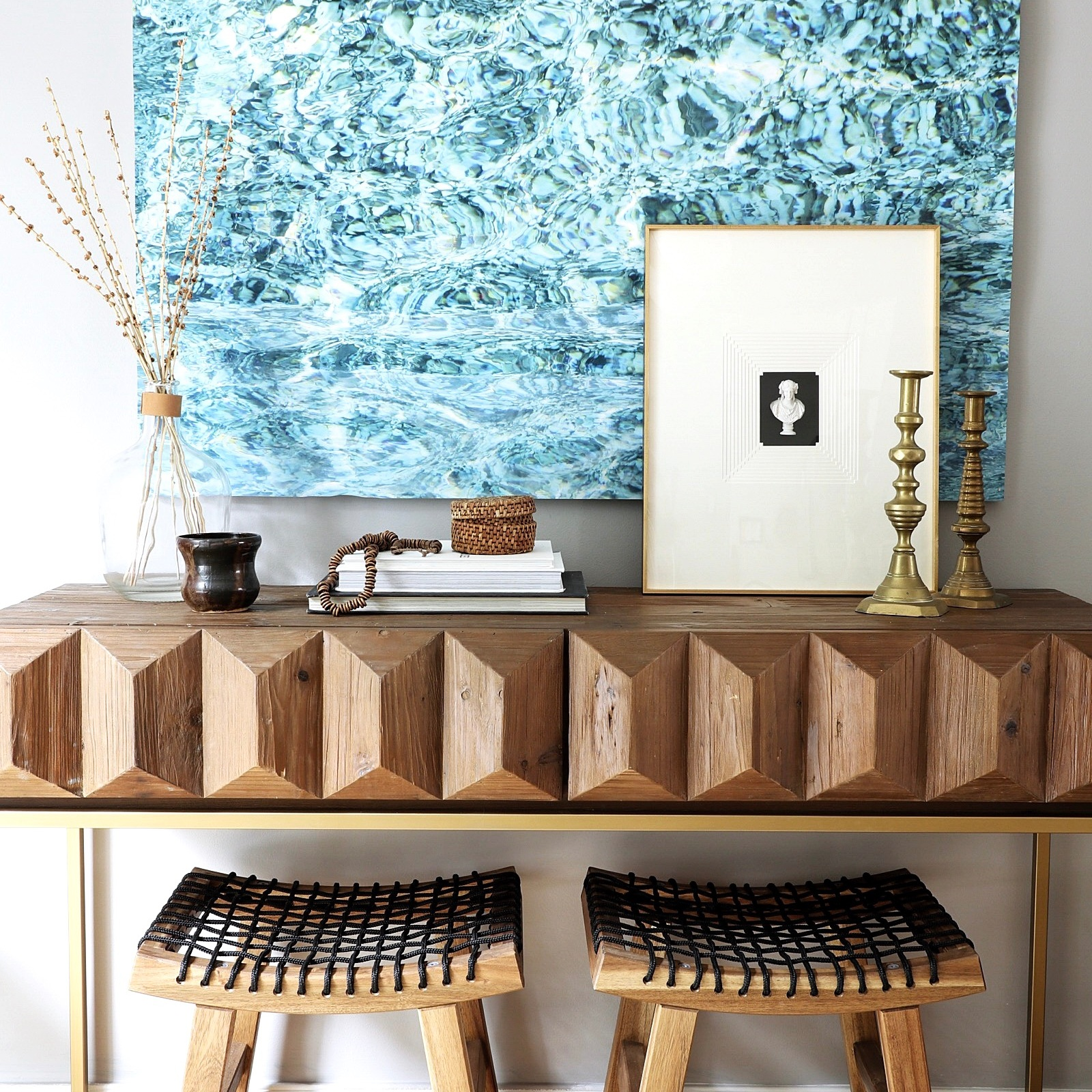 DESIGN TIPS: HOW TO STYLE A CONSOLE TABLE -