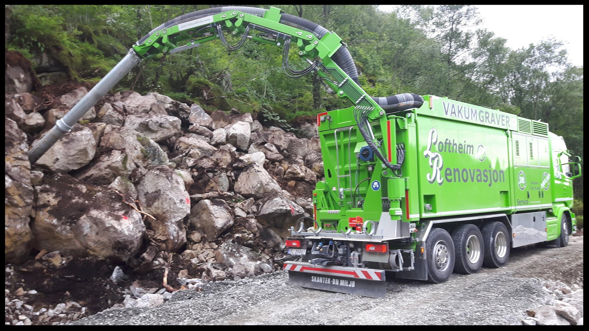 Rensing av skråning før fjellsikring og støping