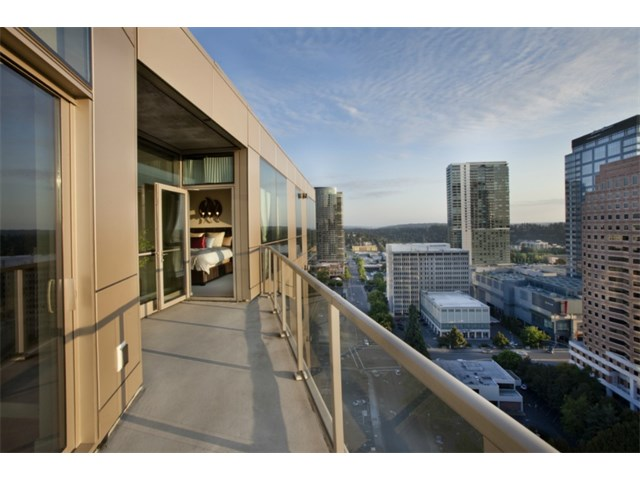 10610 9th Place NE #2403 Bellevue | $765,000