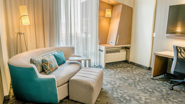 farcf-guestroom-5591-hor-wide.jpg