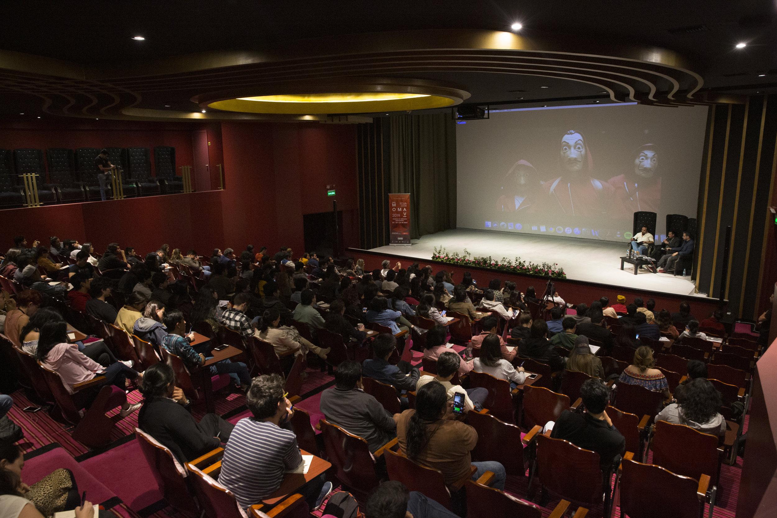"""Charla magistral: """"La Casa de Papel: Desarrollo de una serie"""""""