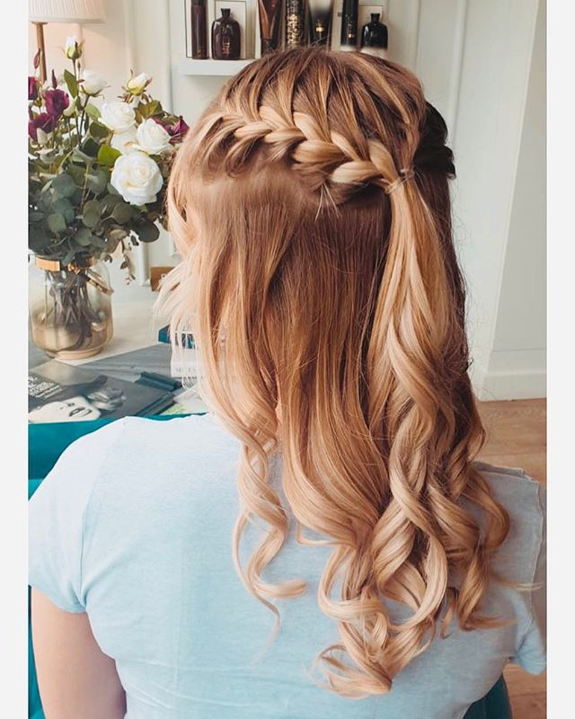 Get your Wave and Braid for the weekend!  #ridethewave #blowdrybar #colourbar #champagnebar #almosttheweekend #blowyourmind