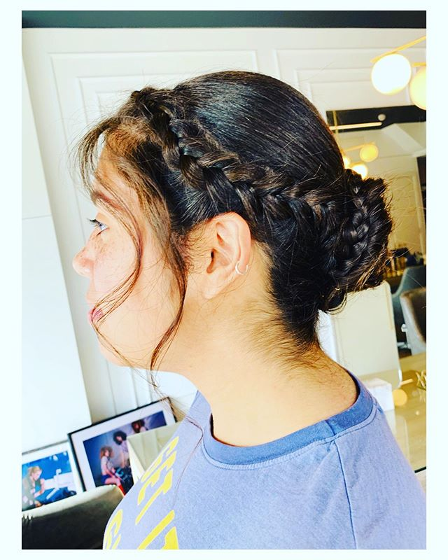 The perfect wedding up do - Whether you're getting married, being a bridesmaid or simply the guest of honour !  #weddingseason #summertime #updo #blowdrybar #localsdoitbetter