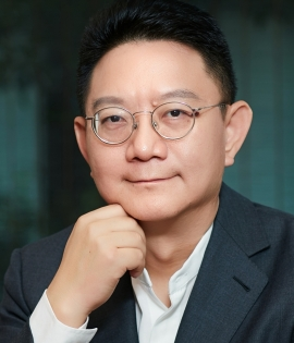 Ming Zeng - Ming Zeng is chairman of the Academic Council of the Alibaba Group, an e-commerce, retail, and technology conglomerate, based in Hangzhou, China, and the author of Smart Business: What Alibaba's Success Reveals About the Future of Strategy (Harvard Business Review Press, September 2018). He is also the dean of Hupan School of Entrepreneurship, a private business school founded by Alibaba chairman Jack Ma and other leading Chinese entrepreneurs in Hangzhou. Prior to his current role, Ming was the Chief Strategy of Alibaba for 10 years.