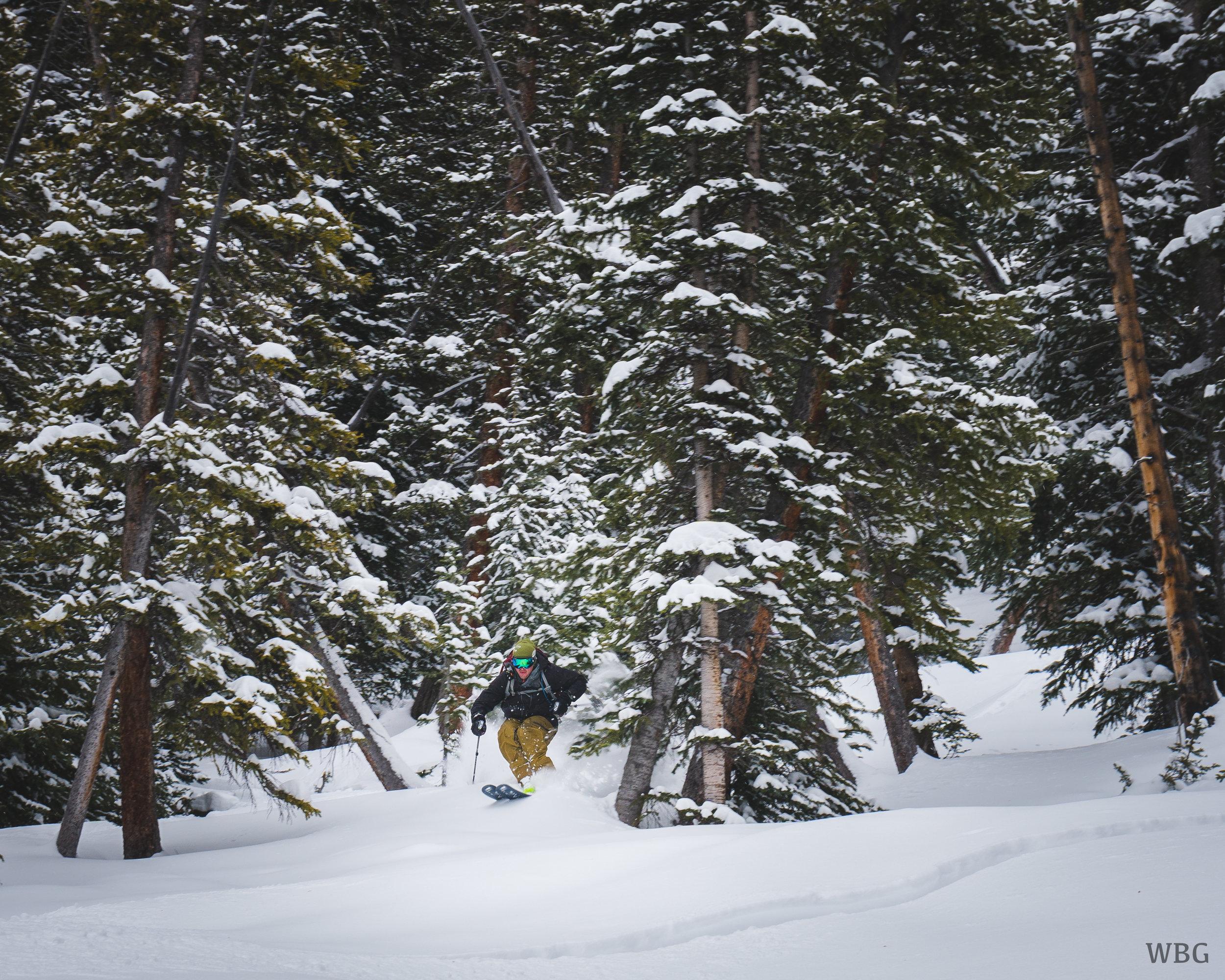 Hut Ski.jpg