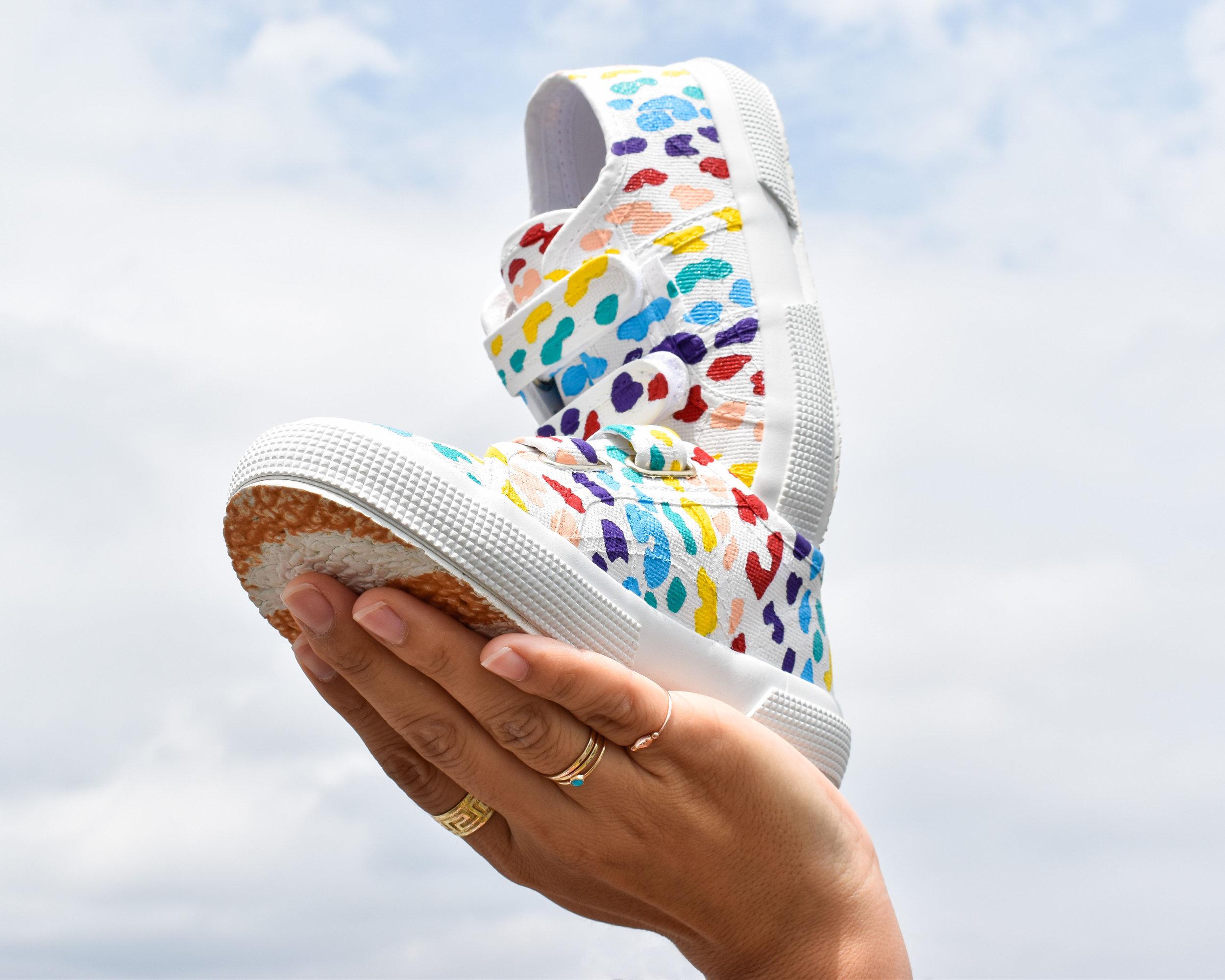 Who_leesa_kicks_cheetah_rainbow_3a.jpg