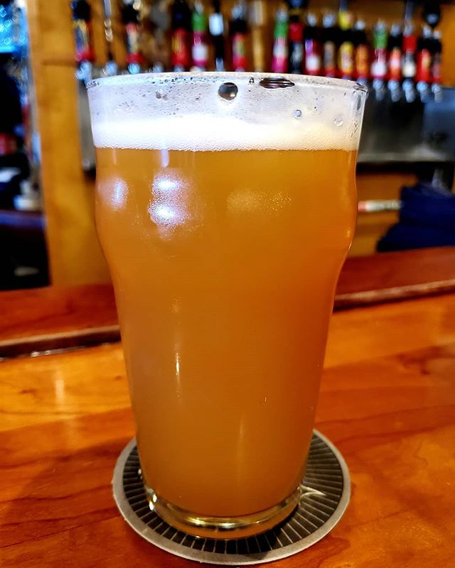 Labor Day weekend drinking at @3floydsbrewing . . #afrobeerchick #beerstagram #beersofinstagram #craftbeer #craftbeergirl #beergirl #beergirlsofinstagram #drinklocal #beeradvocate  #untappd #beershare  #ladiesthatlovecraft #beerme  #cheers #beergeek #beergeeks #craftbeernotcrap beer #blogger #drinkcraft #drinkcraftbeer #browngirlswhoblog  #blackpeoplelovebeer #brownpeoplelovebeer #beingblackincraft