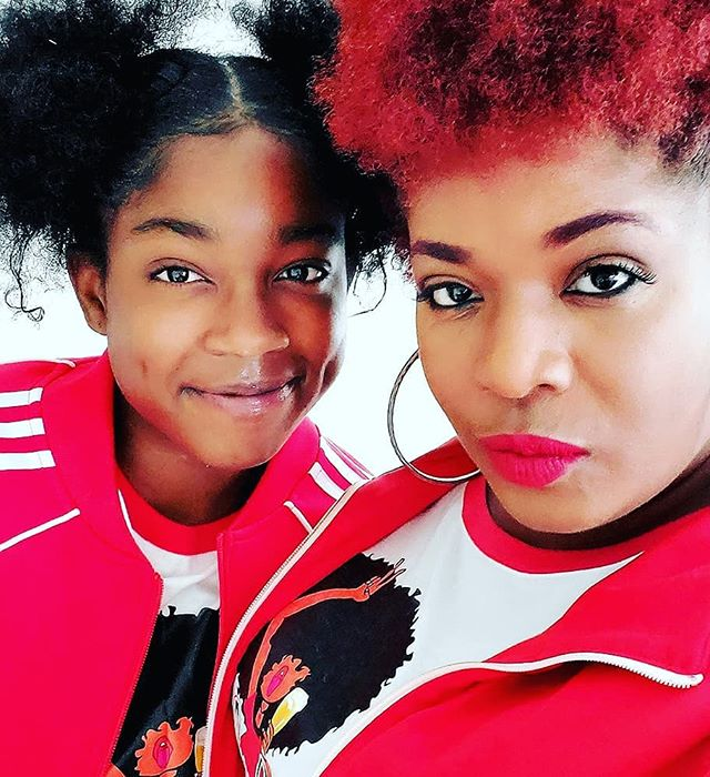 @babyafrobeerchick wanted to twin out with her mama.. . . #afrobeerchick #beerstagram #beersofinstagram #craftbeer #craftbeergirl #beergirl #beergirlsofinstagram #drinklocal #beeradvocate  #untappd #beershare  #ladiesthatlovecraft #beerme  #cheers #beergeek #beergeeks #craftbeernotcrap beer #blogger #drinkcraft #drinkcraftbeer #browngirlswhoblog  #blackpeoplelovebeer #brownpeoplelovebeer #beingblackincraft