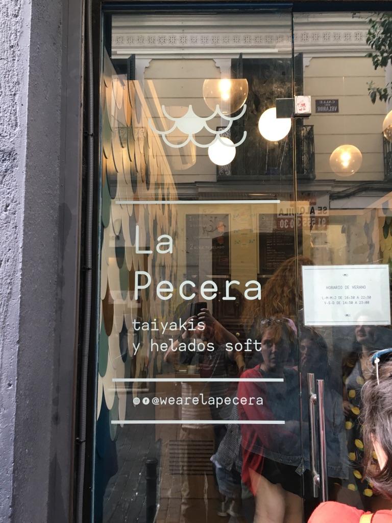 Is outside inside? Wear el apecera? Oh no it's WE are La Pecera! :)