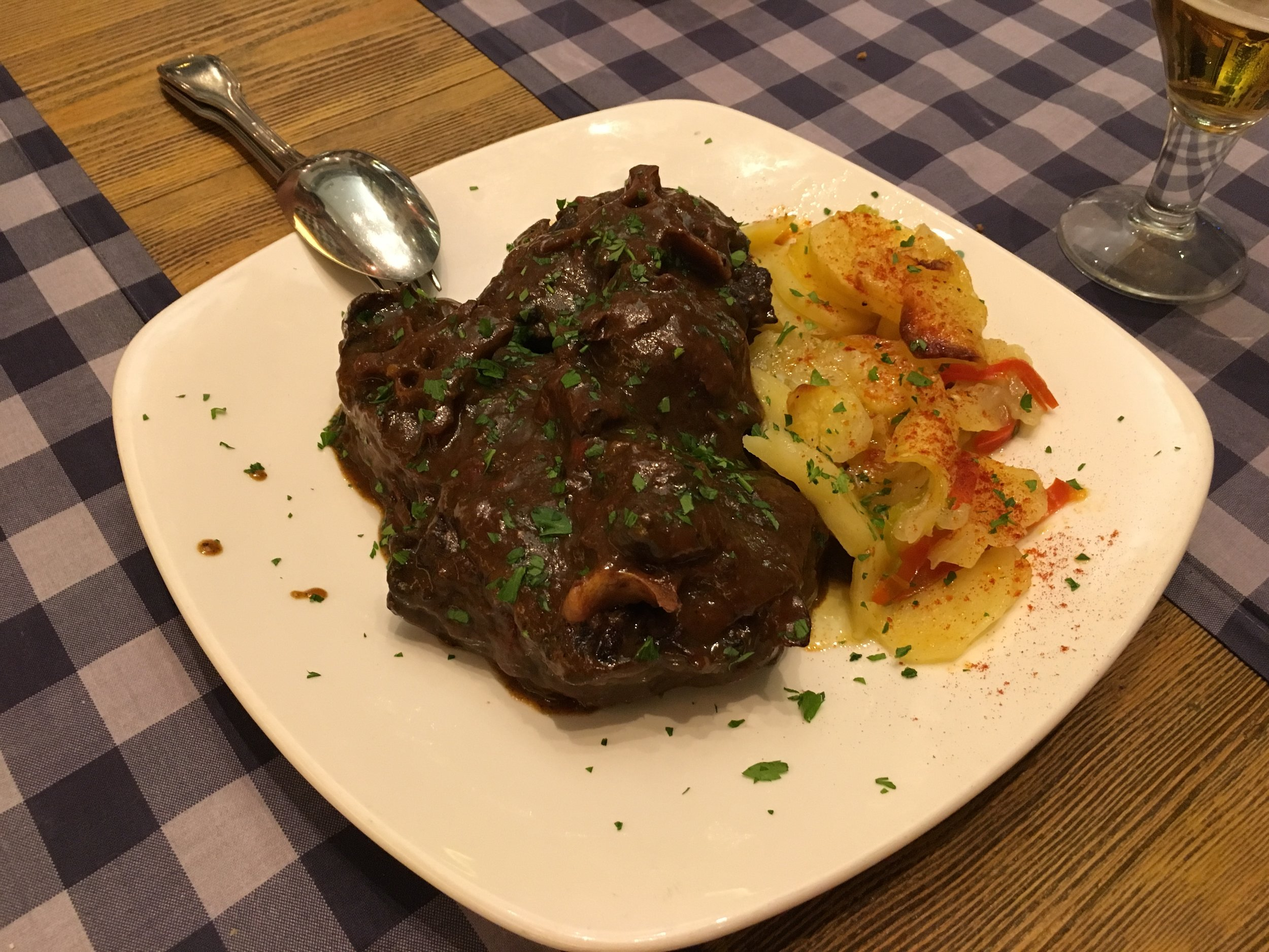 Oxtail in a red wine sauce, rabo de toro in spanish