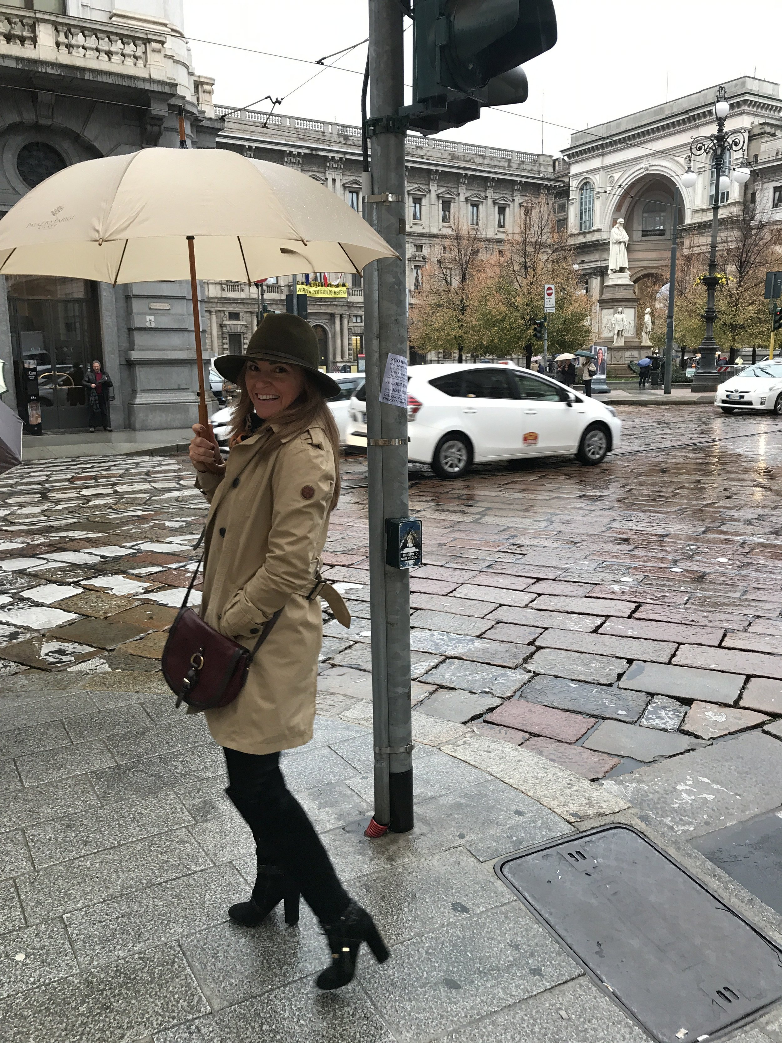 Rain and busy schedule didn't stop us from venturing into the city and uncover Milano!