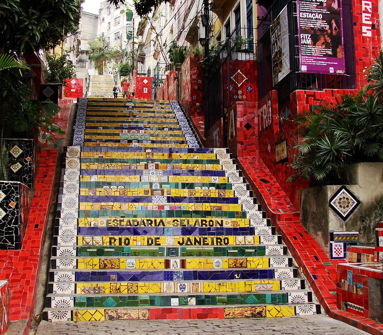 Selaron_Stairs,_Rio_de_Janeiro,_Brasil.jpg